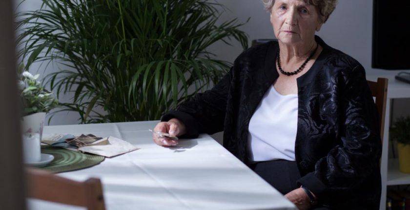 como-a-sindrome-do-por-do-sol-influencia-o-comportamento-de-idosos-com-alzheimer1