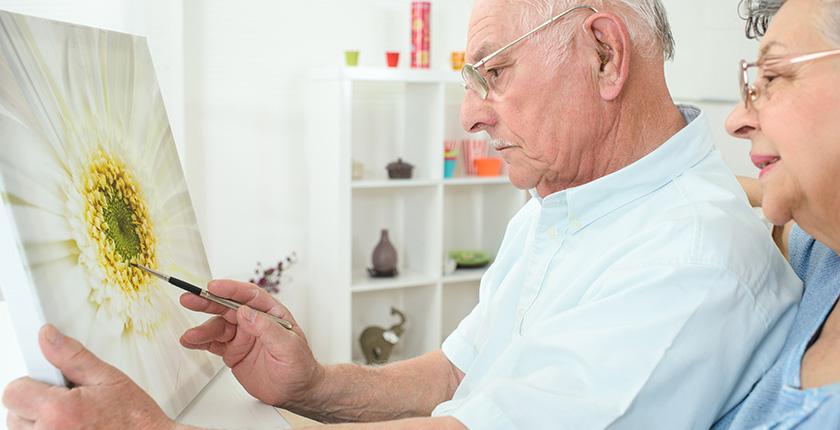 Dicas de arteterapia para pessoas com alzheimer