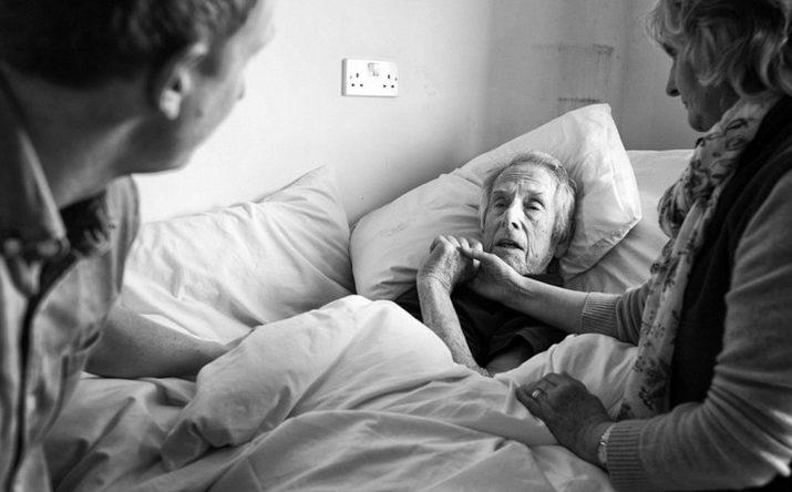 Pai com alzheimer acamado